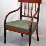 Leo Svempa memoriālo priekšmetu – kumodes un krēsla – restaurācija